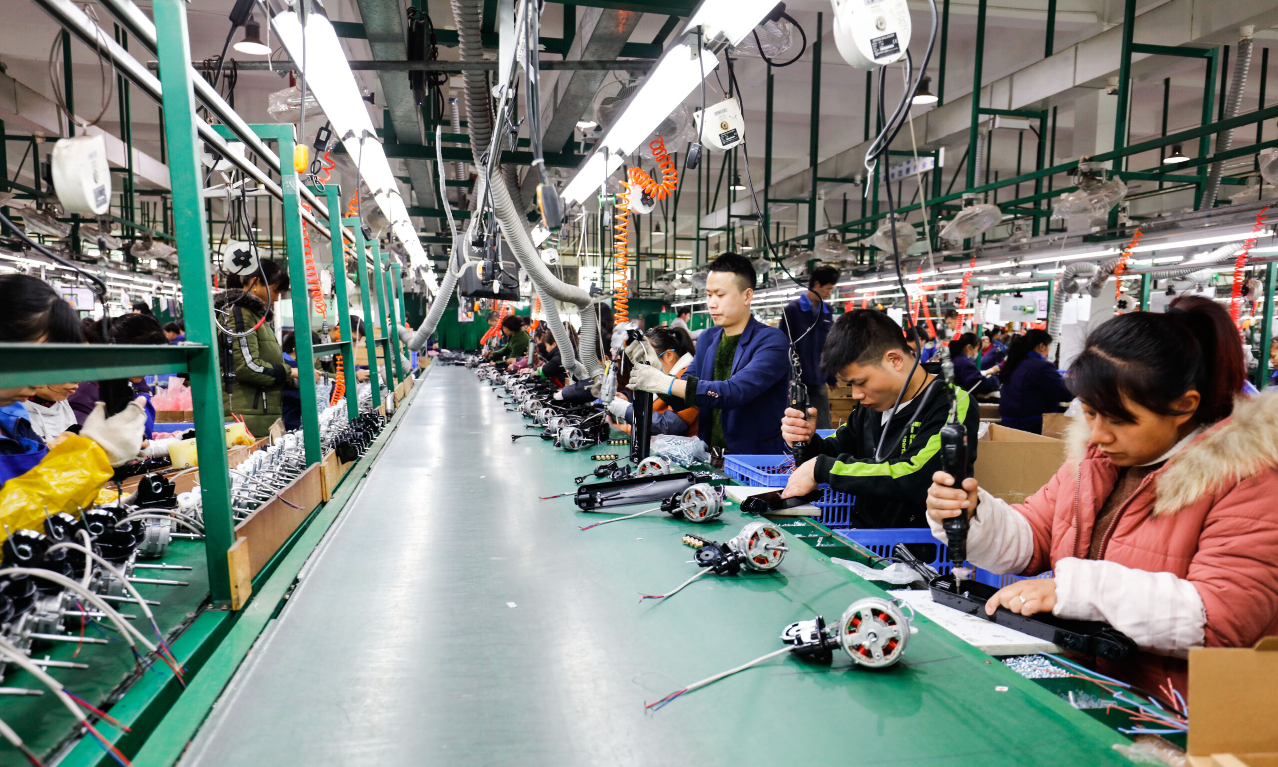 Advantages and Disadvantages of Chinese Manufacturing